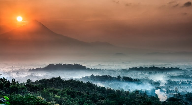 Borobudur-Temple-sunrise